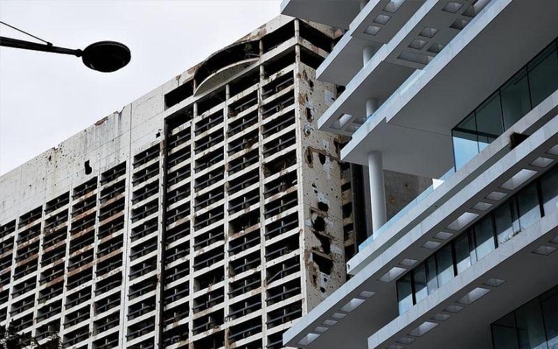 Holiday Inn con marcas de guerra en Beirut, Libano